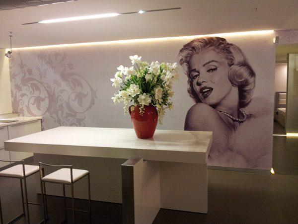 תמונת טפט- מרלין מונרו- טפטים לבתים ומשרדים אבי אריאלי
